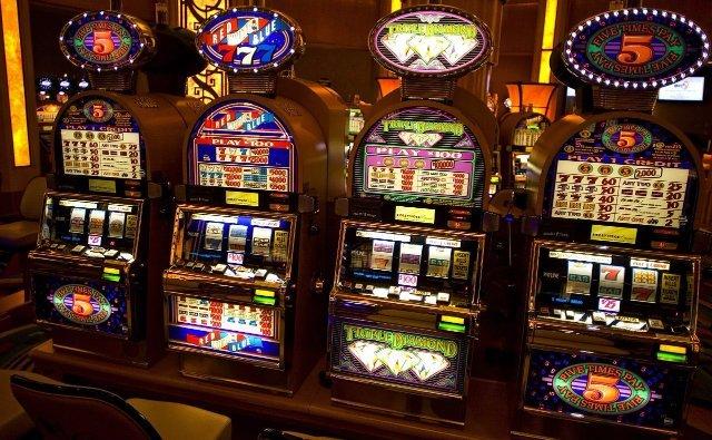 Играть в CasinoX онлайн в игровые автоматы на реальные деньги
