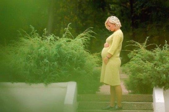 Стас Костюшкин показал фотографию беременной супруги