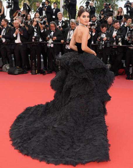 Камила Коэльо показала самое дорогое платье Каннского кинофестиваля 2018! Фото
