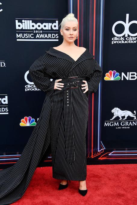 Провальный наряд Кристины Агилеры на премии Billboard до сих пор обсуждают в Сети. Фото