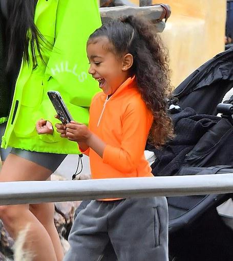 Ким Кардашьян показала, как сильно повзрослела ее четырехлетняя дочь Норт. Фото