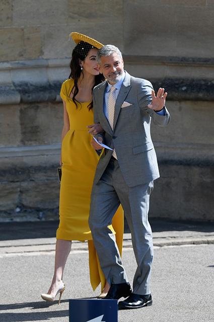 Кокетка Амаль Клуни приковала к себе внимание на свадьбе Меган Маркл и принца Гарри! Фото