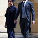 Дэвид и Виктория Бекхэм удивили радикально черными нарядами на свадьбе Меган Маркл. Фото