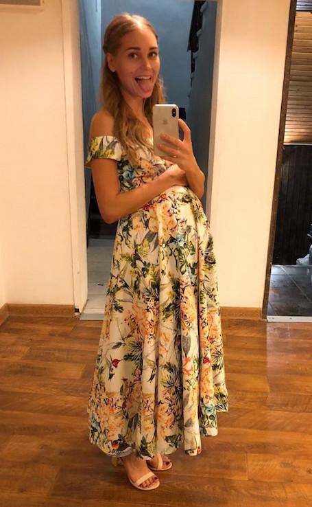 Действительно беременна: Кристина Асмус показала округлившийся живот! Фото