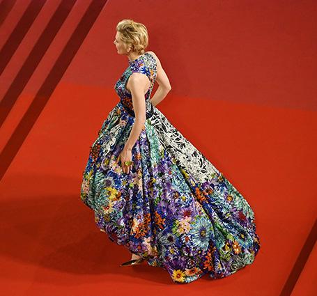Канны-2018: Кейт Бланшетт примерила фантастическое платье Mary Katrantzou. Фото