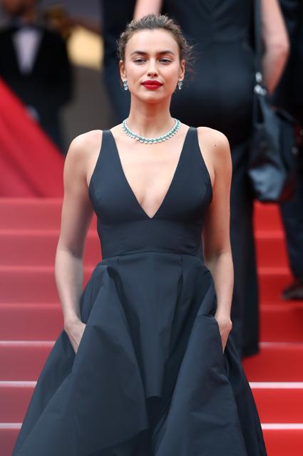 Судный день: Ирина Шейк затмила всех на первой премьере Каннского кинофестиваля. Фото
