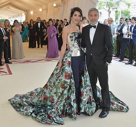 Самая модная пара Met Gala 2018: Джордж и Амаль Клуни в сногсшибательных нарядах. Фото