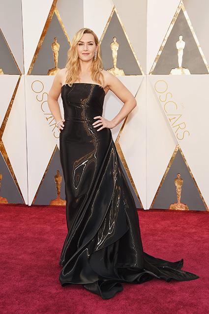 Кейт Уинслет осудила актрис за слишком вульгарные платья для красных ковровых дорожек