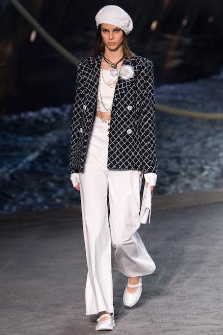 Круизная коллекция Chanel 2019: Гран-Пале превратился в огромный пароход! Фото