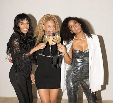 Destinys Child: Бейонсе с Келли Роуленд и Мишель Уильямс зажгли на открытии магазина. Фото