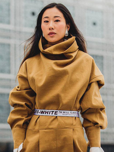Логомания как искусство: как носить одежду с логотипами? Фото