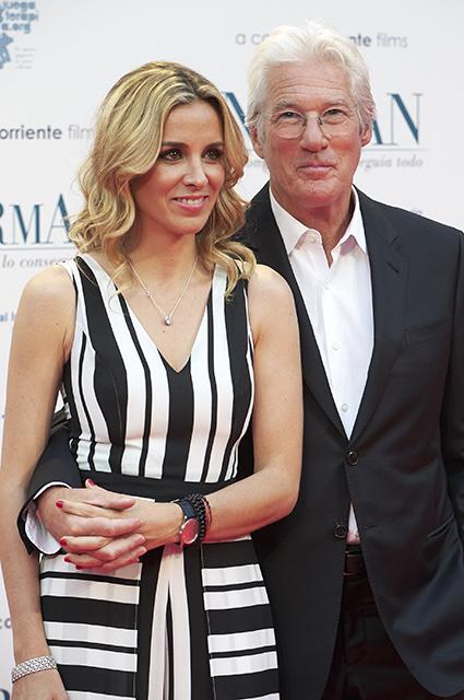 68-летний Ричард Гир женился на 35-летней красотке Алехандре Сильве. Фото