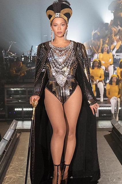 Царица Coachella 2018: Бейонсе вышла на сцену в поистине королевском наряде! Фото