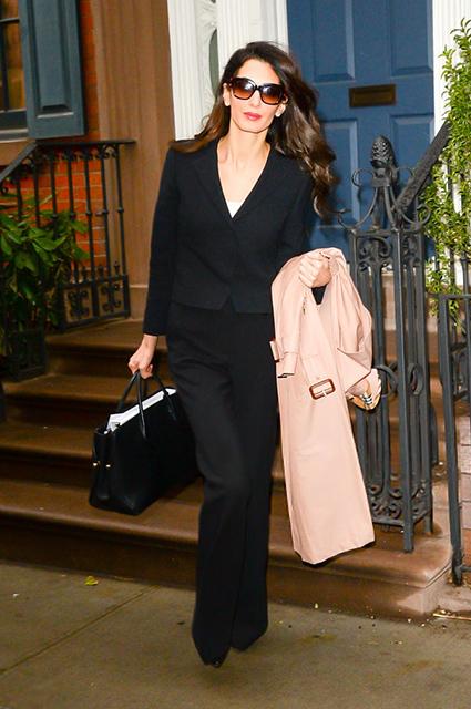 Офисный стиль для элегантной леди: Амаль Клуни снова поразила Нью-Йорк. Фото