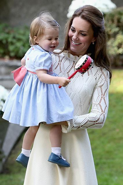 Принц Уильям случайно рассекретил пол их с Кейт Миддлтон третьего ребенка! Фото