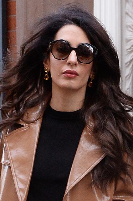 Новый образ: Амаль Клуни устроила модное шоу на улицах Нью-Йорка. Фото