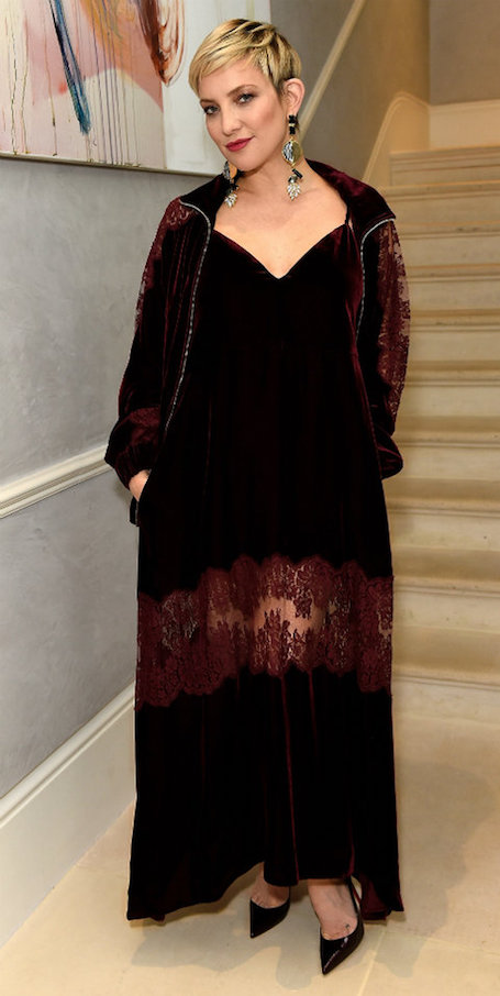 Викторианский шик: Кейт Хадсон практически не узнать в новом имидже! Фото
