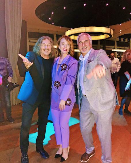 Валерий Меладзе и Альбина Джанабаева исполнили медленный танец под песню о любви. Фото