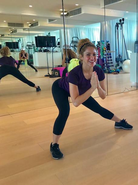 41-летняя Шакира впечатлила безупречной фигурой на тренировке. Фото