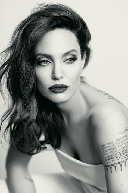Бурная личная жизнь: Анджелина Джоли променяла миллионера на агента по недвижимости!