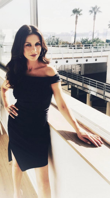 Кэтрин Зета-Джонс невероятно похудела: что случилось с актрисой? Фото