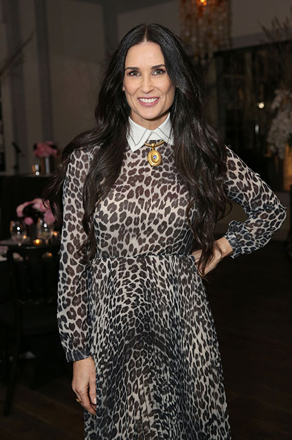 55-летняя Деми Мур в леопардовом платье Dior затмила всех в Беверли-Хиллз. Фото