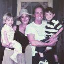 Кэтрин Зета-Джонс и Майкл Дуглас повторили семейное фото 10-летней давности. Фото
