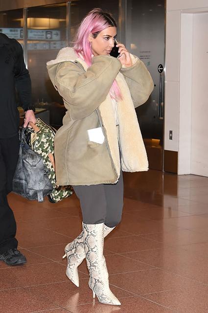 Это не парик: Ким Кардашьян перекрасила волосы в розовый цвет! Фото
