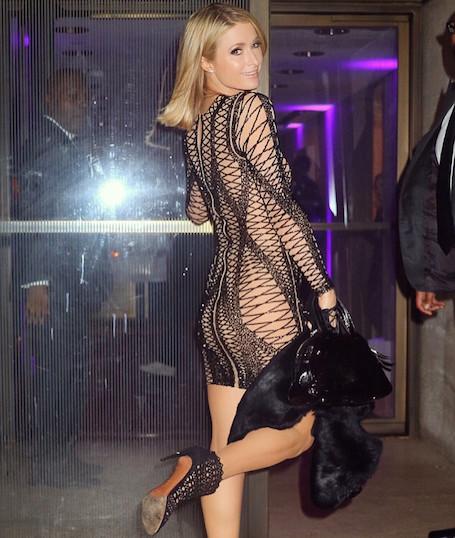 На самой грани: Пэрис Хилтон в мини-платье из сетки впечатляет своей смелостью. Фото