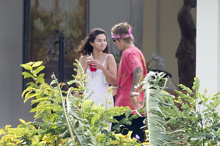 Джастин Бибер пригласил Селену Гомес на свадьбу на Ямайке. Фото