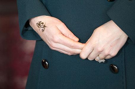 Беременная Кейт Миддлтон сделала татуировку во время визита в Сандерленд. Фото