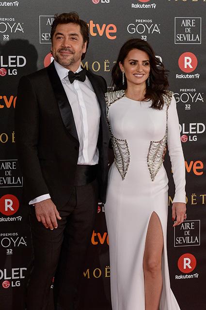 Пенелопа Крус на премии Goya Cinema Awards похвасталась идеальной фигурой. Фото