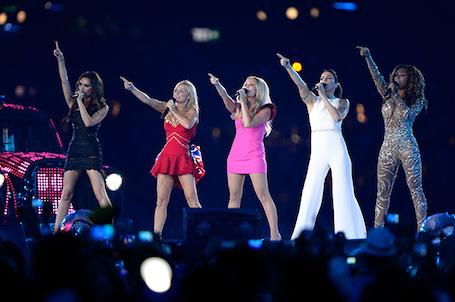 Ради свадьбы принца Гарри и Меган Маркл группа Spice Girls решили воссоединиться! Фото