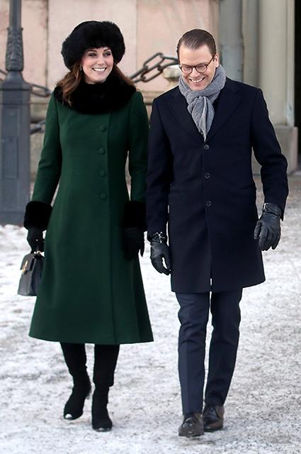 Изумрудный total look: беременная Кейт Миддлтон сразила Швецию модным нарядом. Фото