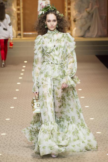 Неделя моды в Милане: ангелы и демоны на шоу Dolce and Gabbana. Фото