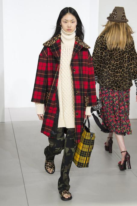 Неделя моды в Нью-Йорке: хаос и эклектика на шоу Michael Kors. Фото