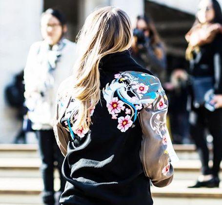 Драконы и лотосы: какой бомбер будет на пике моды весной 2018? Фото