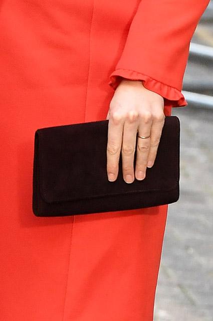 Беременная Кейт Миддлтон предстала в неожиданном образе Lady in red. Фото