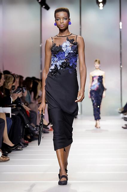Неделя высокой моды в Париже: невесомая красота Giorgio Armani Prive. Фото
