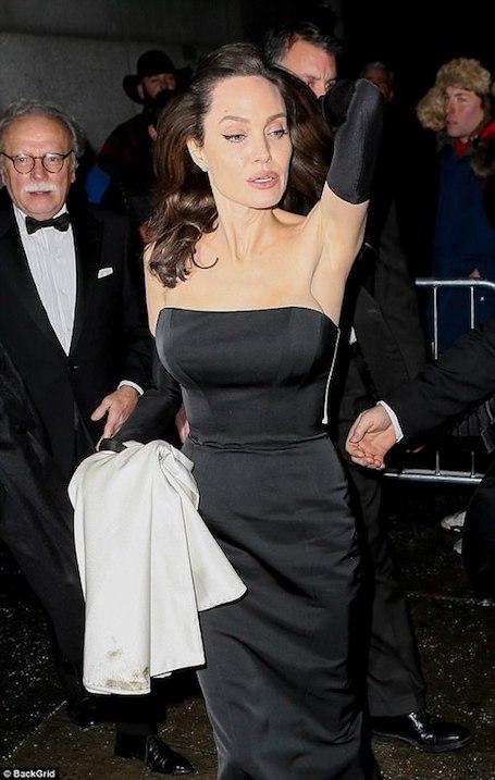 Анджелина Джоли в неимоверном платье Ralph Russo пленила безупречной красотой. Фото
