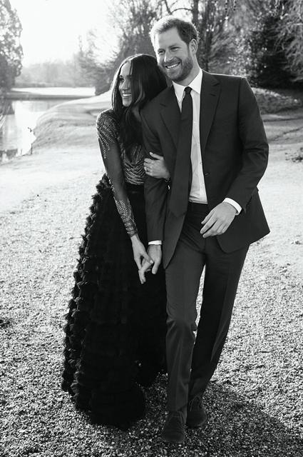 Официальные портреты принца Гарри и Меган Маркл признали слишком интимными. Фото