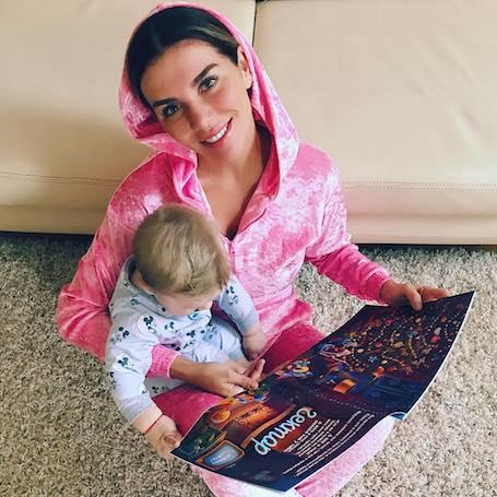 Маленький сын Анны Седоковой похож на нее как две капли воды! Фото