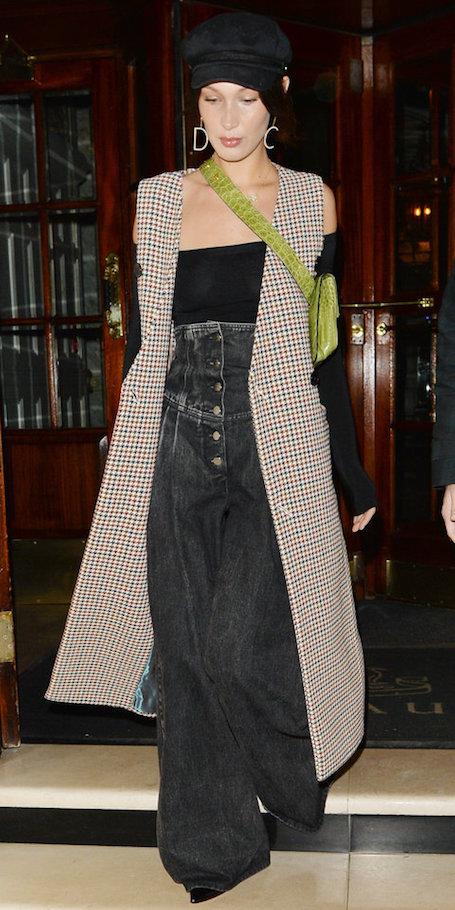 Уникальный модный образ от Беллы Хадид для самых смелых модниц! Фото