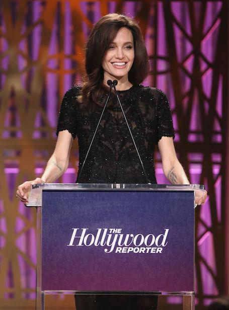 Анджелина Джоли впечатлила сексуальностью в платье из прозрачных кружев. Фото