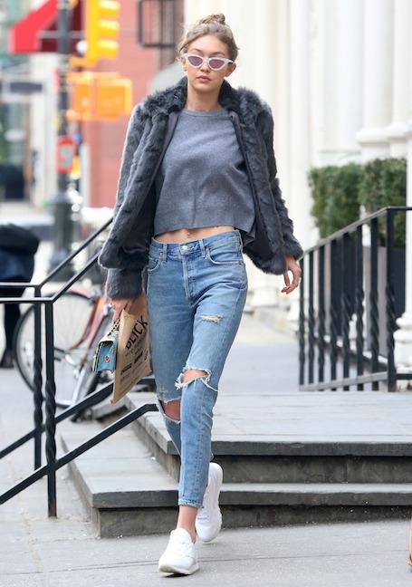 Снова в строю: джинсы с низкой талией возвращаются! Фото