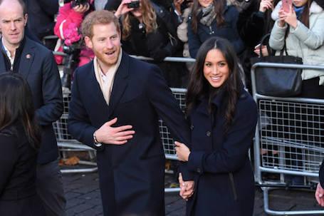 Первый официальный выход Меган Маркл и принца Гарри всполошил весь Лондон. Фото