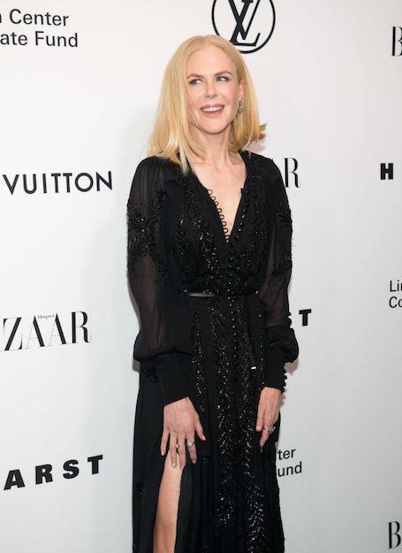 50-летняя Николь Кидман впечатлила фигурой в прозрачном платье с дерзким разрезом! Фото