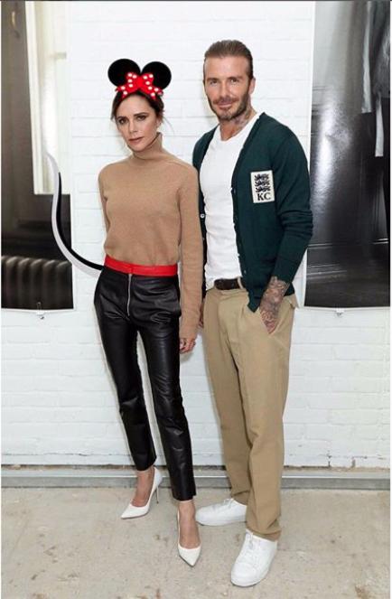 Виктория Бекхэм показала свои любимые кожаные брюки для зимы 2017. Фото