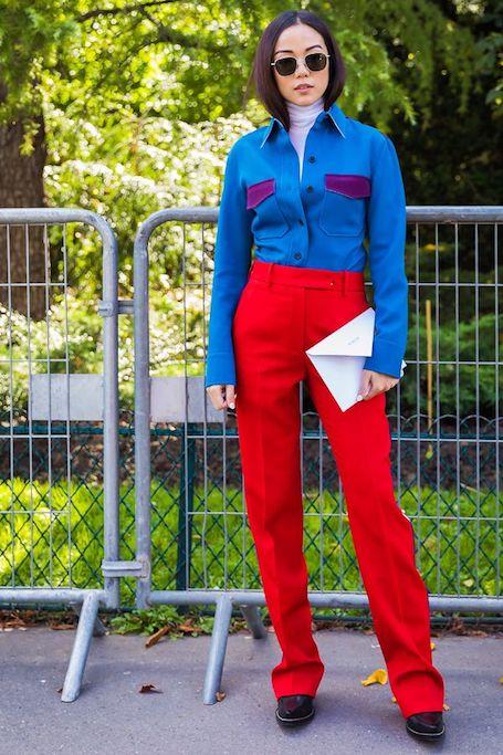 Смелый тренд 2018 года — насыщенные цвета и однотонная одежда. Фото