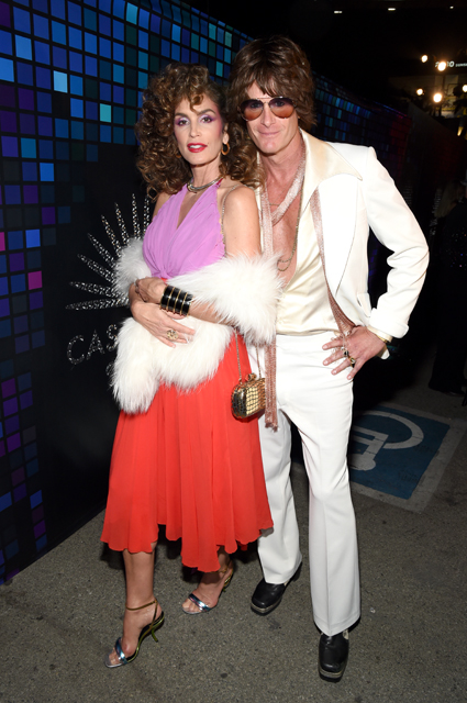 Лучший костюм для Хеллоуина: Амаль Клуни, Синди Кроуфорд или Ким Кардашьян? Фото